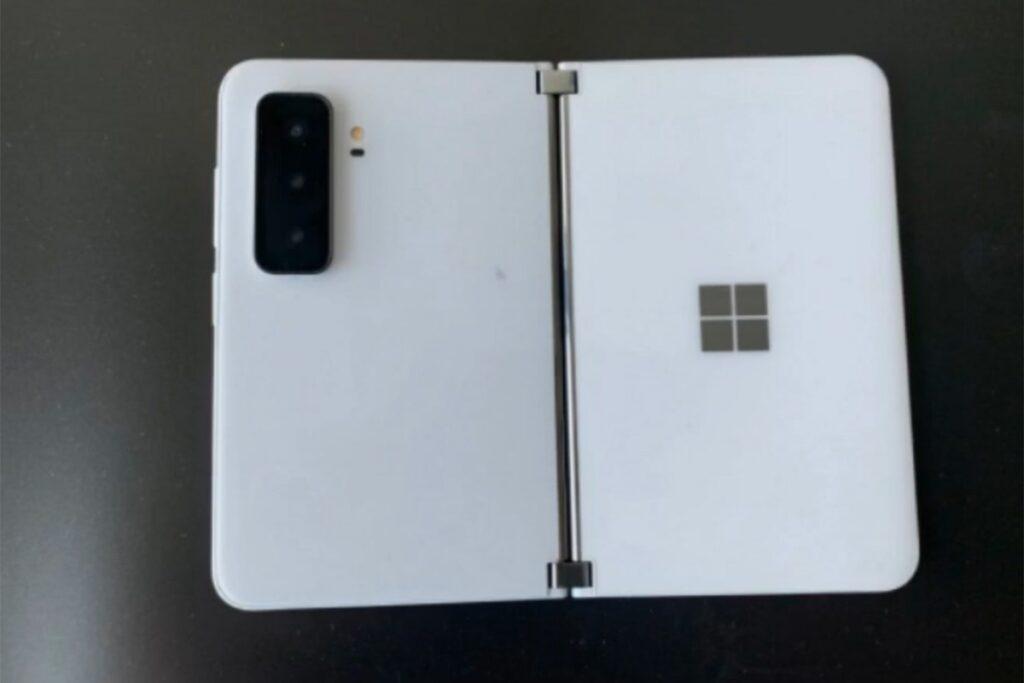 مایکروسافت سرفیس دوئو 2 - Surface Duo 2
